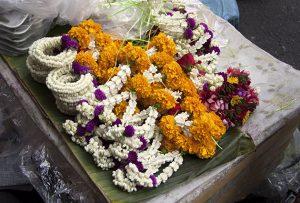 Ofrenda floral, Tailandia. Fotografía: Lucía Cornejo. Texto: Margarita T. Pouso